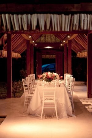 Red and White Holiday Wedding in Moorea