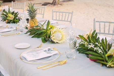 Wedding table design in Moorea