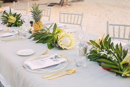 Wedding table design in Moorea